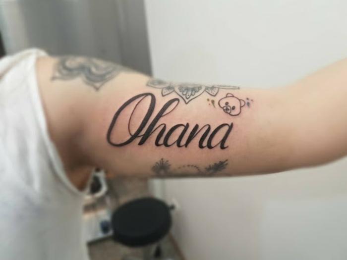 symbol für familie, tattoo motive, ohana bedeutung, tätowierungen mit symbol, spruch