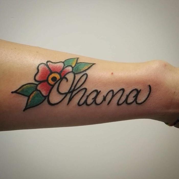 zeichen für zusammenhalt, tattoo sprüche familie, rote blüte, symbole mit beduetung