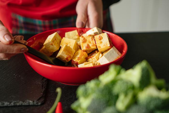 Schnelles Tofu Rezept, leckeres veganes Abendessen, Tofu marinieren