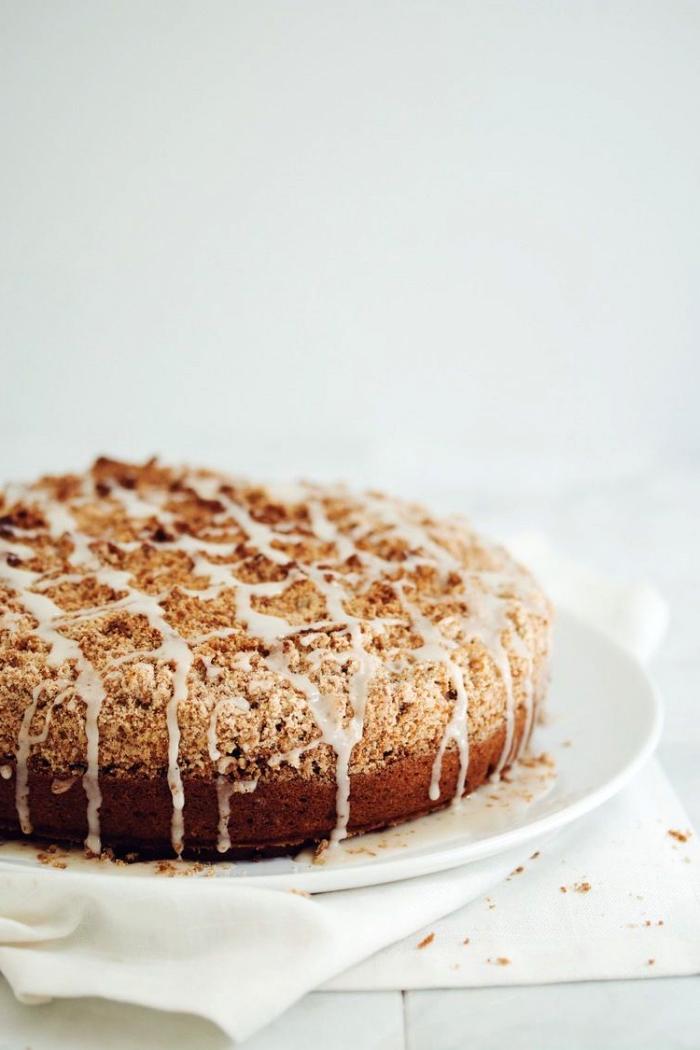veganer low carb kuchen, die besten ideen, zuckerfrei backen, kaffeekuchen mit nüssen