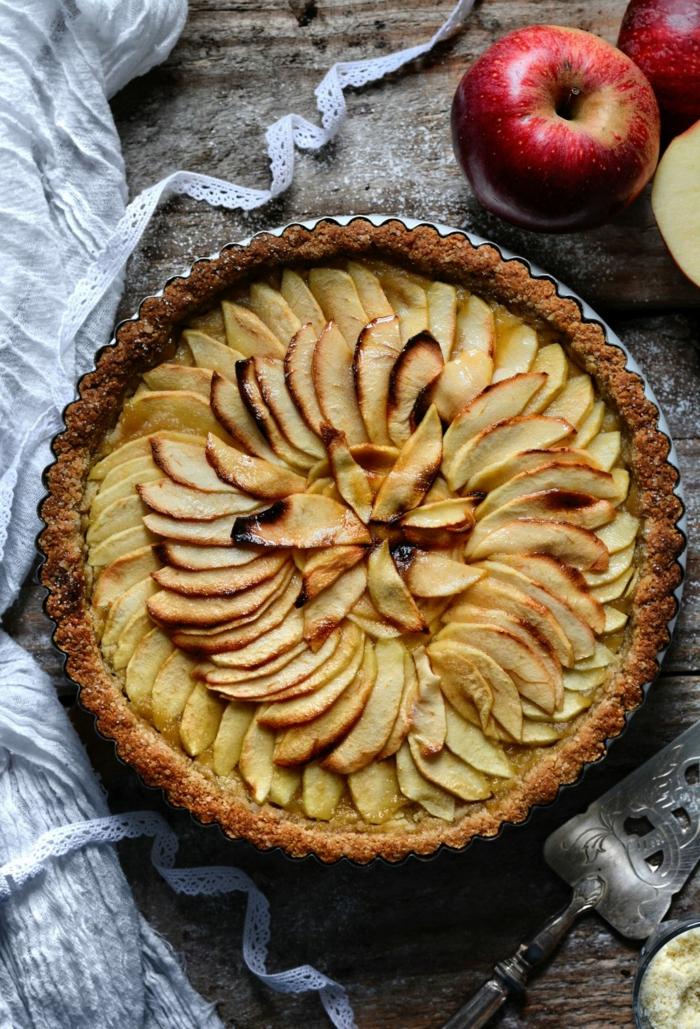 lecker Gericht des Tages, köstliche Apfelkuchen, zubereiten mit Haferflocken und Apfelmuss, vegane Rezepte zum backen,