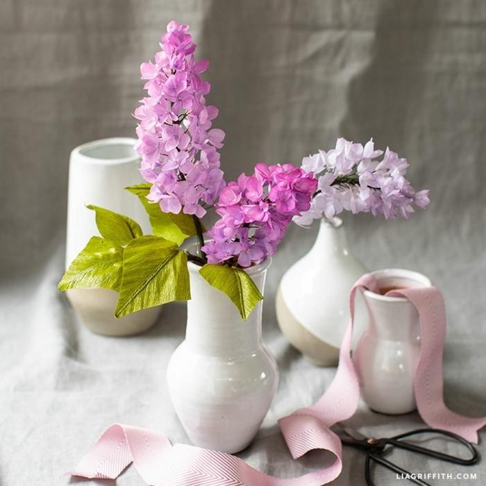 basteln mit krepppapier, papierblumen fürs fenster machen, frühlingsblumen aus papier