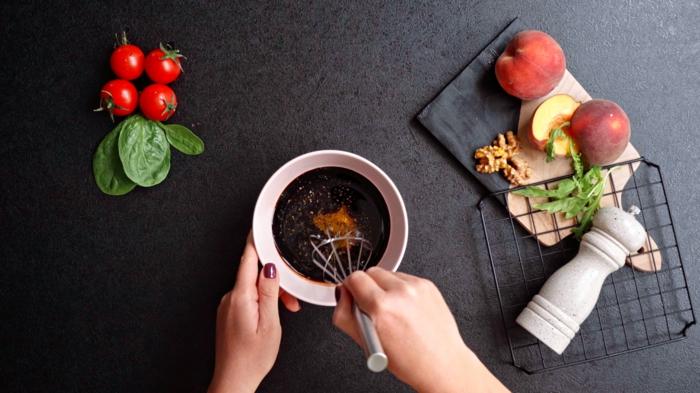 2 einfache salate rezepte dressing salatdressing mit honig sojasoße salz und pfeffer