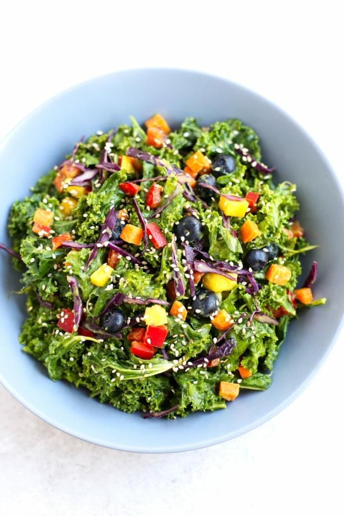 salat rezepte zum abnehmen, schnelle udn eifnache zubereitung, gesund essen