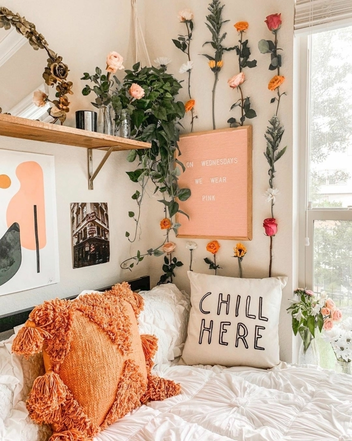 teenager zimmer kleiner raum, mädchenzimmer deko ideen, wanddeko mit blumen, florale zimmerdeko, mädchenzimmer