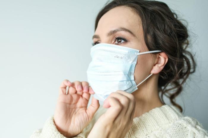 arztbeauch in corona zeiten, schutzmaske tragen, wichtige infos, schutz gegen viren