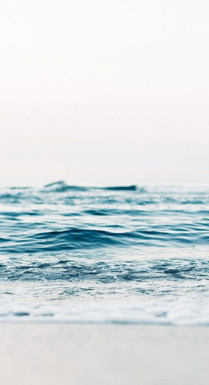 Nahaufnahme vom Meer mit kleinen Wellen, Aesthetic Wallpaper HD, Hintergrundbilder für Handys