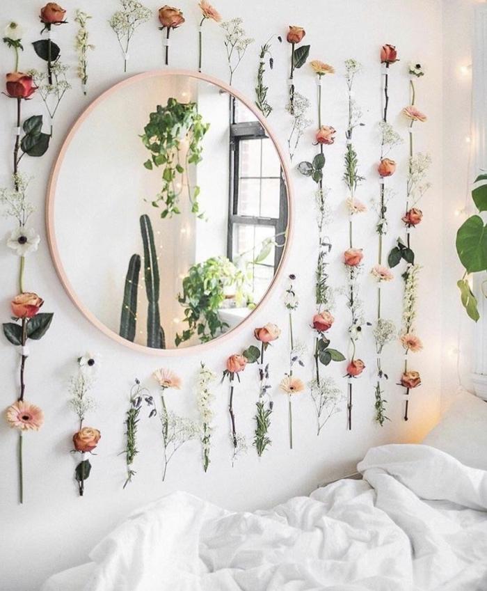 bilder für jugendzimmer, jugendzimmerdeko ideen, wanddeko mit blumen, runder spiegel