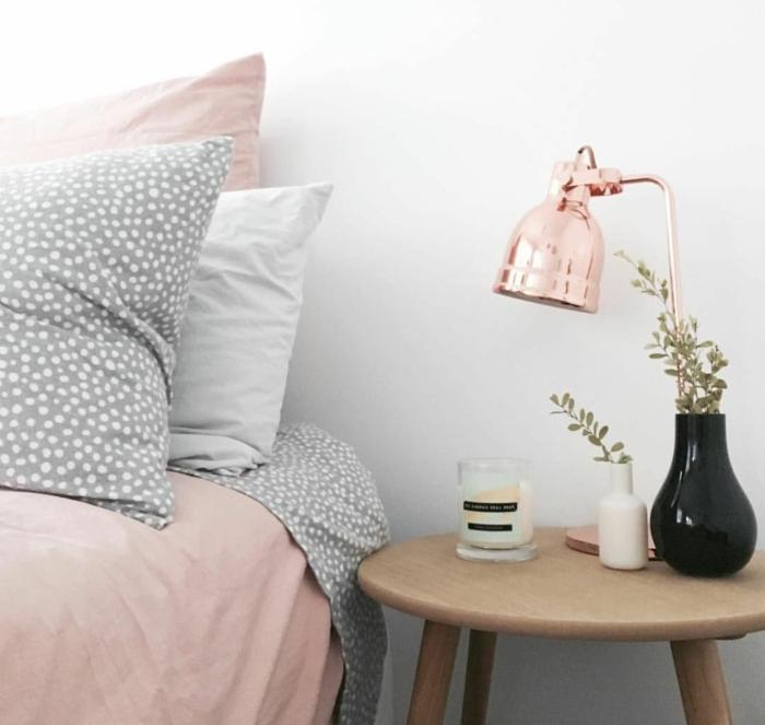 bilder für jungedzimmer, mädchenzimmer in rosa, weiß und grau, runder holztisch