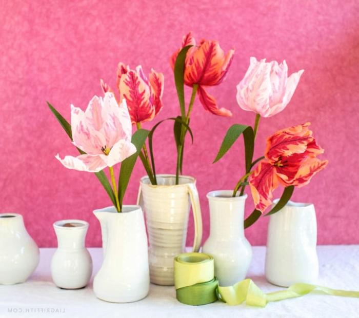 blumen aus krepppapier selber machen anleitung, tischdeko für dne frühling, frühlingsblumen