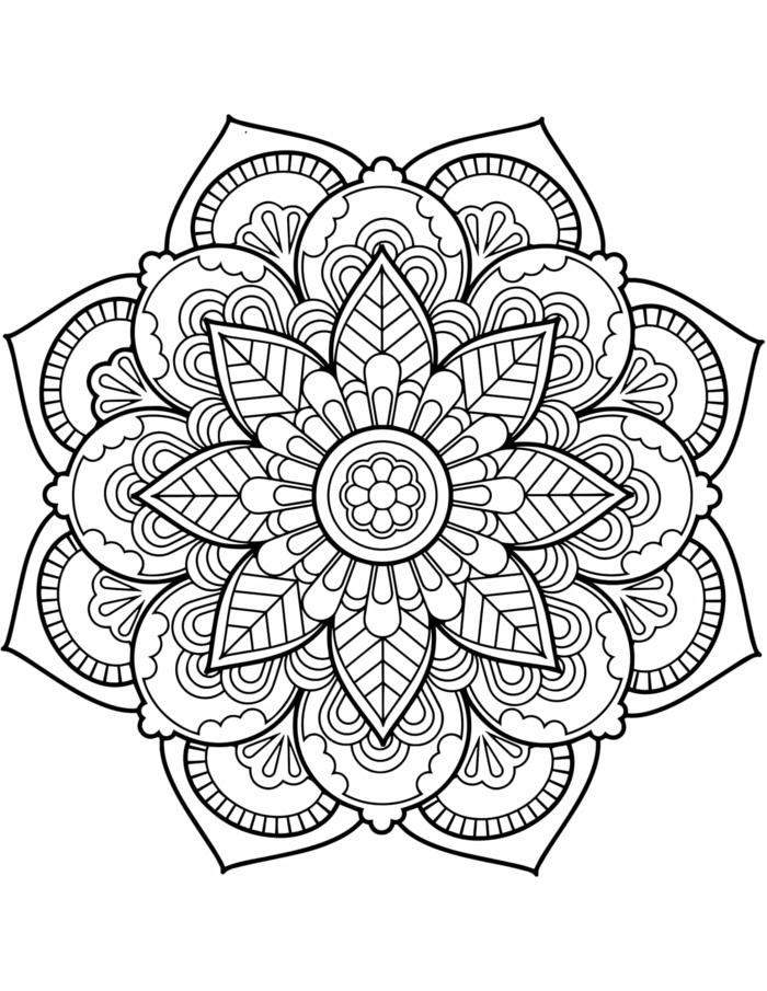 Mandala Muster für Erwachsene zum ausmalen, kreisrunde Form mit Blumen Motiven, vier Schichten