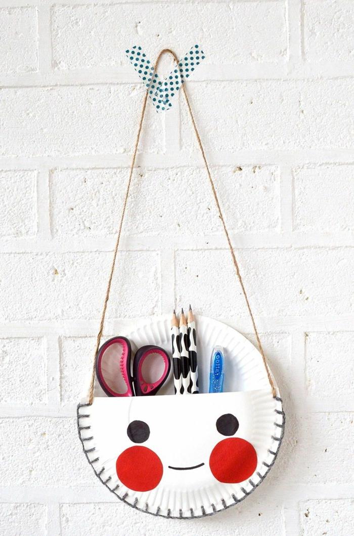 Idee für Aufbewahrung von Stifte und Scheren aus Teller aus Pappe, Muttertag basteln Kinder Pinterest