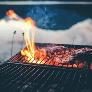 Wir verraten Ihnen, wie Sie das Grillfleisch richtig zubereiten