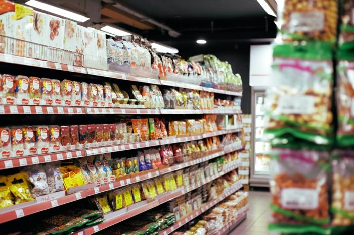 Großer Super Supermarkt mit sehr großem Sortiment, Aktuelle Angebote von Real Wochenblatt Prospekt