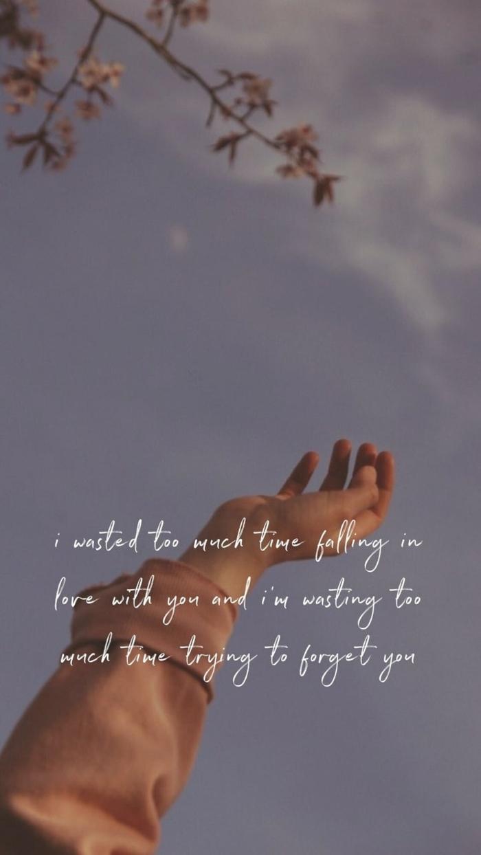 Ausgestreckte zum blauen Himmel Hand, Bild mit Spruch, Zweig von einem Baum, aesthetic wallpaper iphone