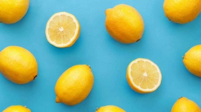 immunsystem aufbauen, früchte reich an vitamin c, zitronenhälften, zitronen
