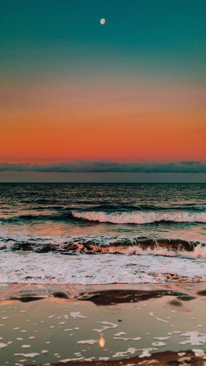 Sonnenuntergang am Strand, Himmel in orange und blau, aesthetic phone wallpaper, schöne Bilder für Handys