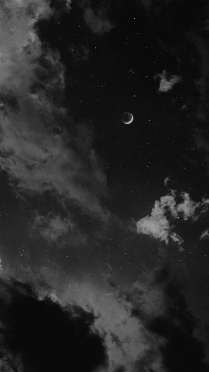 aesthetic wallpaper black, dunkler Himmel mit Halbmond und Sterne, ästhetische Bilder für Handyhintergrund