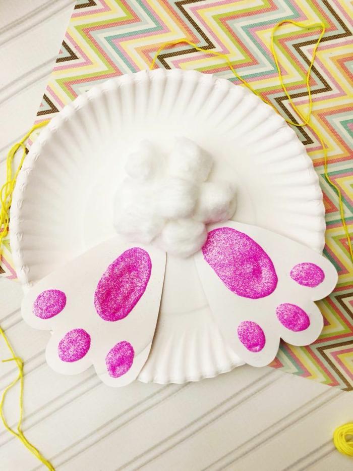 Pfoten und Schwanz von einem Kanninchen, DIY Anleitung zum basteln, Pappteller hase basteln