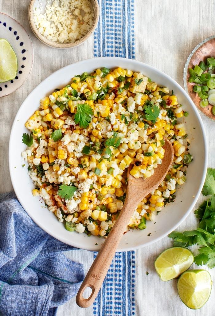 salat ideen einfach udn schnell, mexikanischer rezept mit mais und quinoa