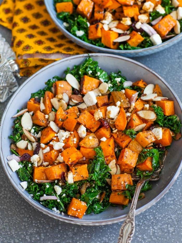 salat ideen, keto rezepte, süßkartoffeln mit mandeln und ziegenkäse, herbstsalat ideen