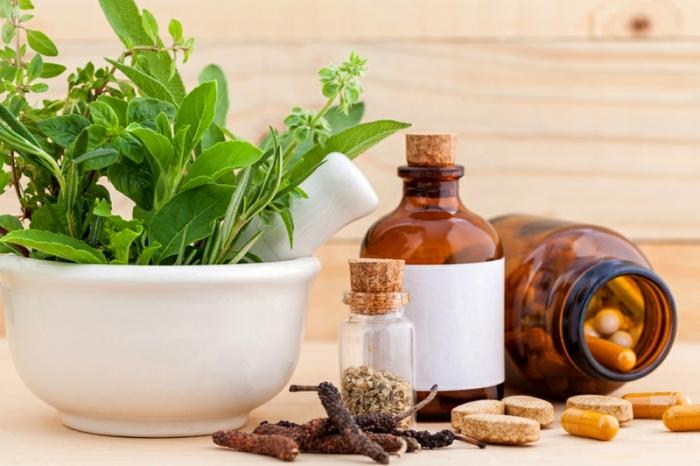stärkung des immunsystems, gesunde kräuter und öle, naturheimittel, heilmitel aus der natur
