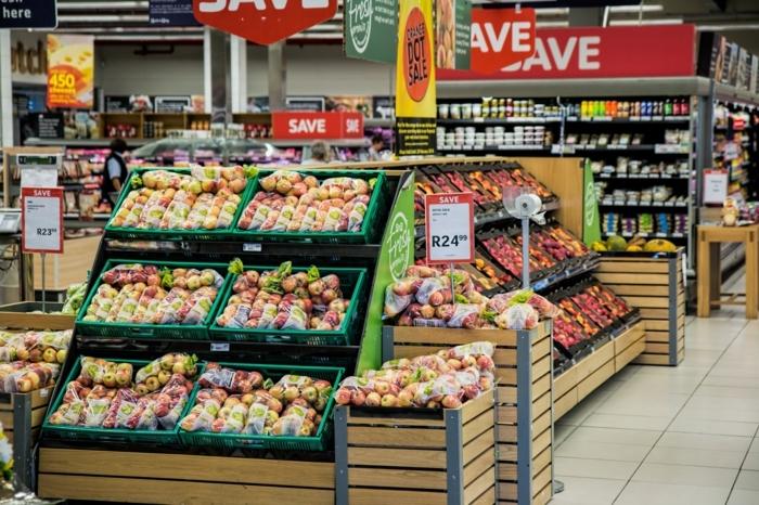 Real Wochenblatt Prospekt , großer Supermarkt mit Obst und Gemüse, Aktuelle Angebote von Real