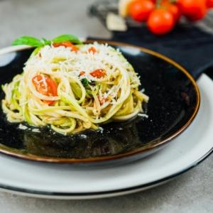 Zucchini Spaghetti Rezept - 8 leckere Ideen