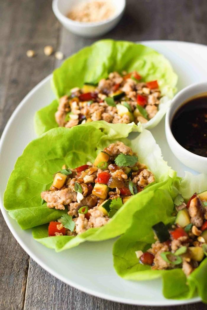 low carb abendessen, die besten kohlehnydratarme rezepte, tacos mit hackfleisch und gemüse