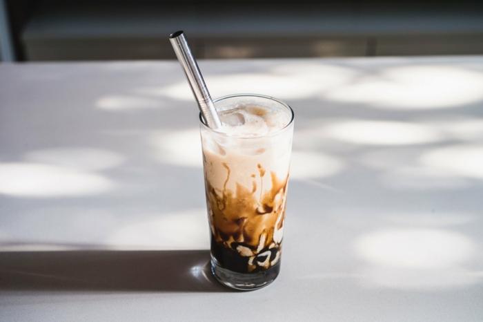 bubble tea selber machen rezept, schritt für schritt anleitung, gesundes sommergetränk