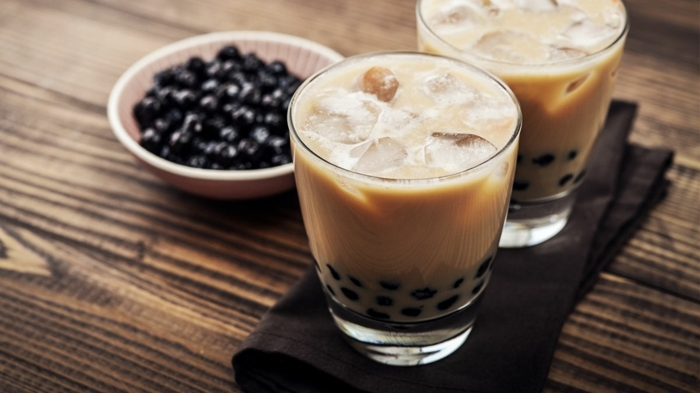 bubble tea perlen selber machen, getränk aus milch, tee und topioca