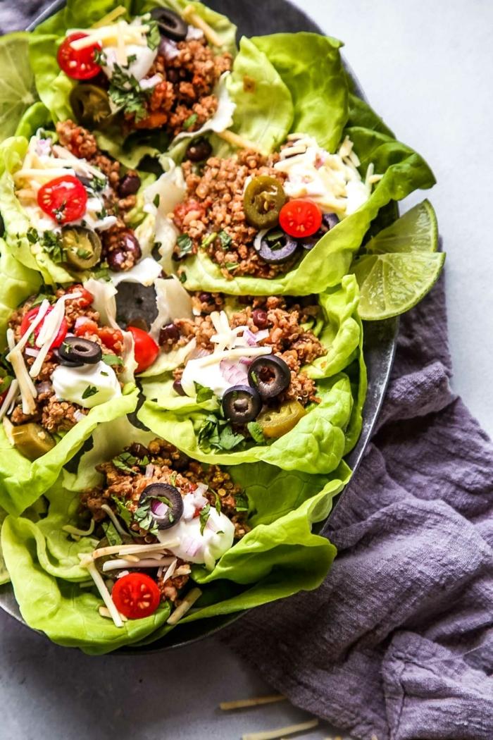 schnelle rezete ohne kohlenhydrate, low carb tacos mit hackfleisch, cherry tomaten und oliven