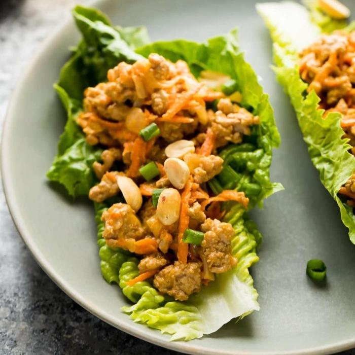low carb tacos mit hänchenfleishc und erdnüssen, abendessen ohne kohlenhydrate rezepte kalt