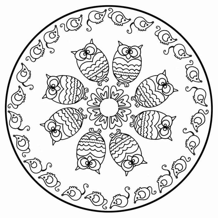 große Zeichnung mit abgebildeten Eulen und Mäuse, Blume in der Mitte, Mandala zum ausdrucken