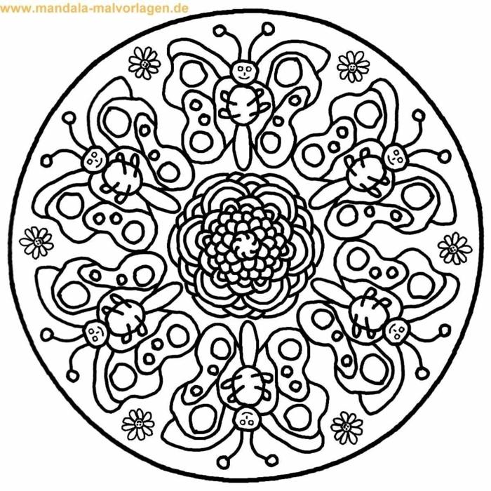 kreisförmiges Muster, Ausmalbilder kostenlos, Mandala mit gemalten Schmetterlinge und einer Blume in der Mitte