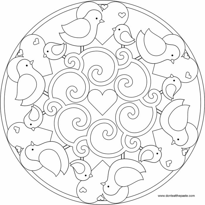 Malvorlagen zum Ausdrucken, abgebildete kleine Vögel und Herzen, Mandala Muster für Kinder