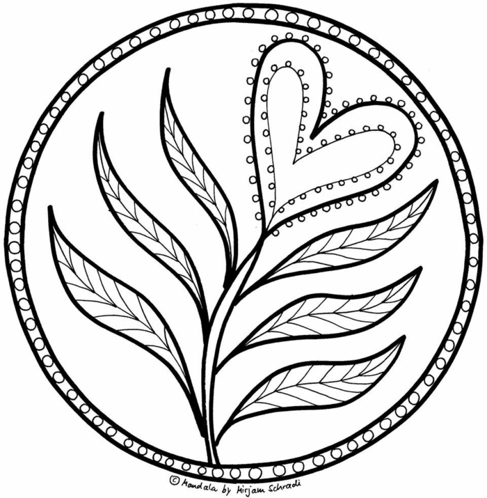 kreisförmiges Bild mit abgebildeter Blume in der Form eines Herzens, Ausmalbilder kostenlos mit Mandala Muster