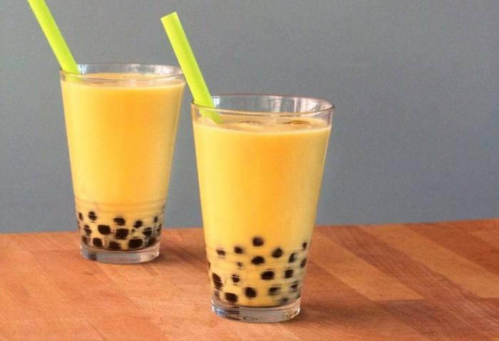 boba bubble tea rezept mit mango, mkilch und tapioca perlen, schnelle zubereitung