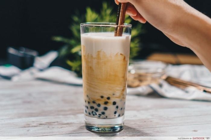 bubble tea rezept einfach und schnell, frisches sommergetränk mit milch und tee