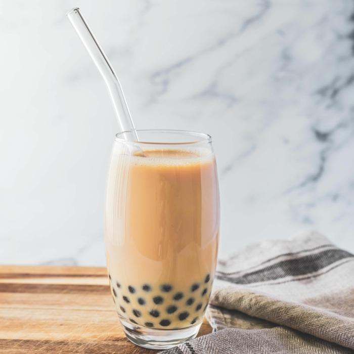 bubble tea sorten, kaltgetränk mit milch und tee, schritt für schritt zubereitung