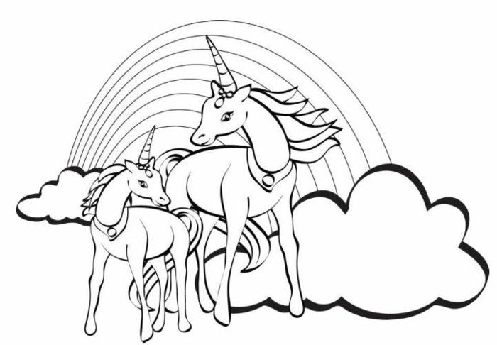 einhorn zum azsmalen, wolken und regenbogen, zwei unicorns