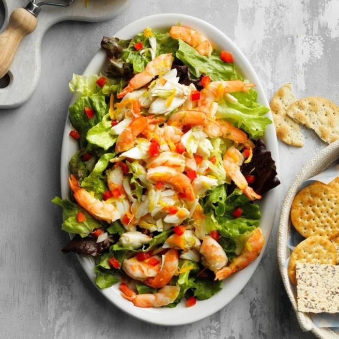 essen ohne kohlenhydrate rezepte, abendessen ideen, gesunder salat mit garnelen