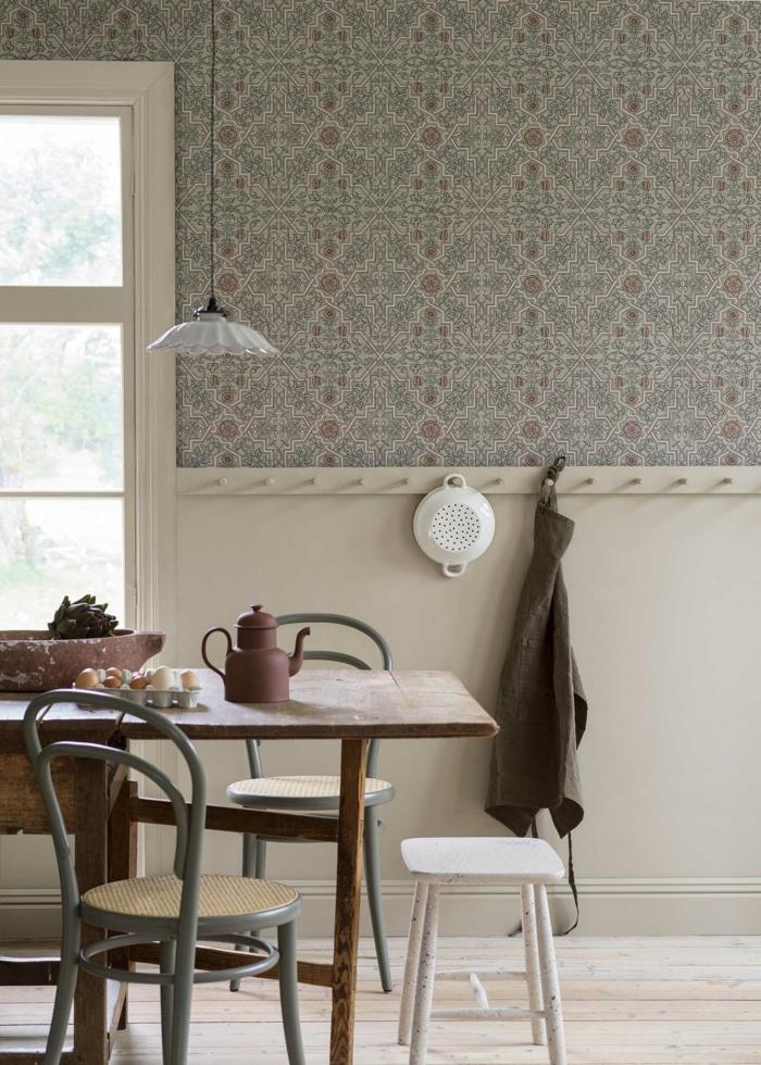 Küche Wandgestaltung mit schlichten Tapeten, Minimalistisches Design im skandinavischen stil, große Küche mit Fenster