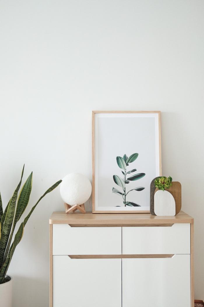 kleine Kommoden selber zusammenstellen mit Schränken, minimalistische Inneneinrichtung, Bild von Blume