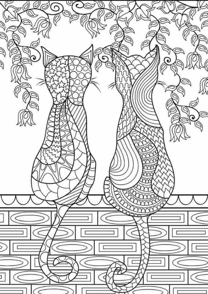 Zeichnung von zwei Katzen auf einer Mauer, Bilder zum Ausdrucken kostenlos mit Mandala Muster