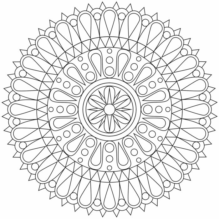 Mandala zum ausmalen für Kinder, verschieden Muster von Blumen und anderen Figuren