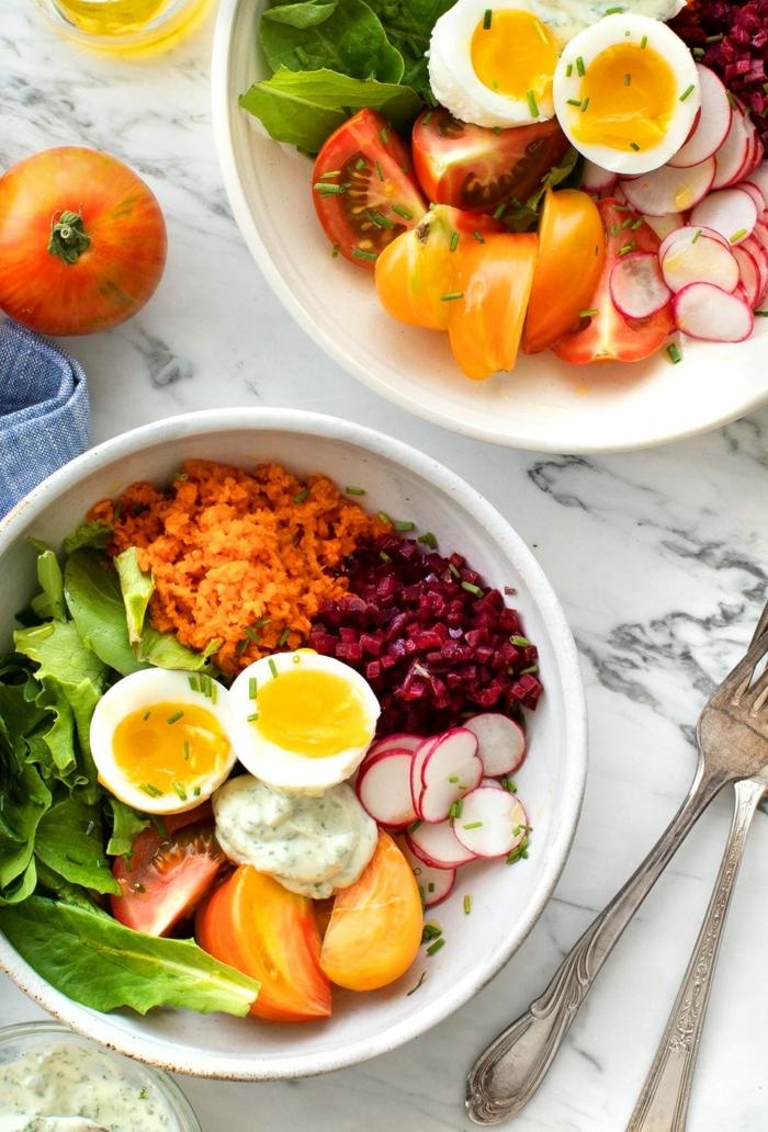 1 rezepte schwangerschaft frühstücksideen gesundes frühstück eier mit salat aus gemüse ernährungsplan für schwangere