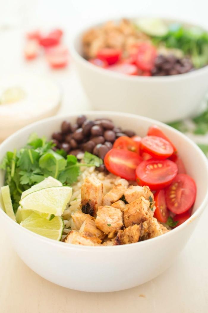 1 rezepte schwangerschaft healhty mittagessen gesund essen hänchenfleisch mit salat aus cherry tomaten bohnen und kraut