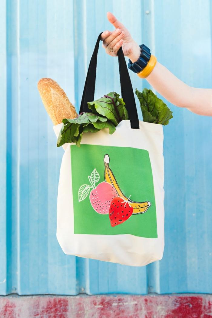1 taschen selber nähen tasche dekroieren selsbtgemachte handtasche mit obst