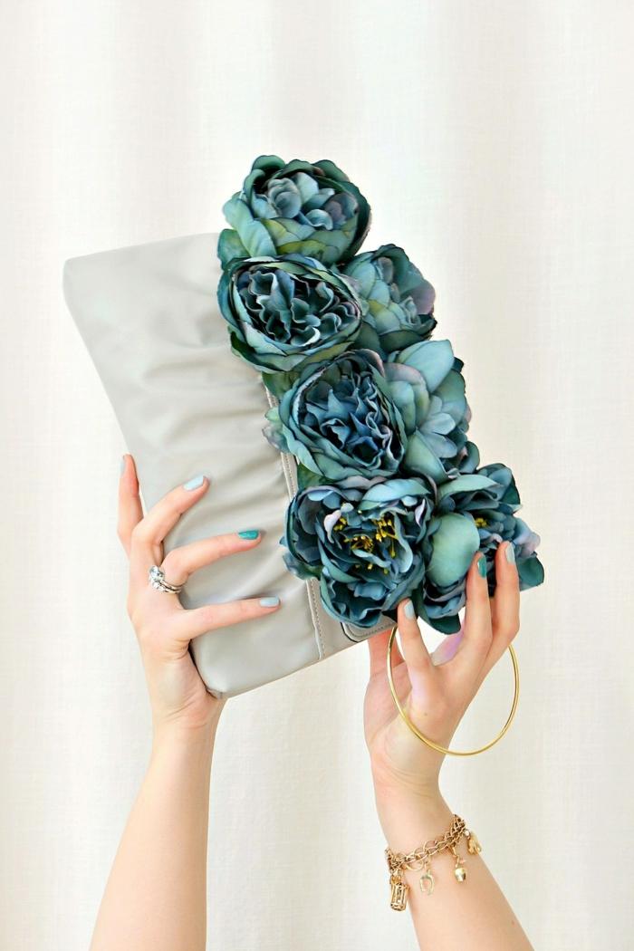 2 kleine tasche nähen florale abendtasche große blaugrüne blüten taschendeko ideen